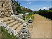 TQ5243 : Looking along the Blue and Yellow Border at Penshurst Place by Marathon