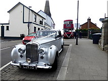 H4472 : Waiting for the bride and groom, Omagh by Kenneth  Allen