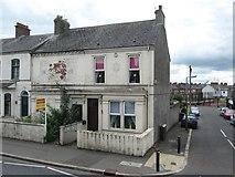 J3674 : Upper Newtownards Road house ripe for redevelopment by Eric Jones