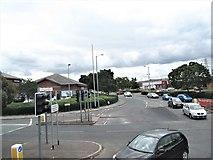 J3674 : The Albertbridge Road junction on the Upper Newtownards Road by Eric Jones