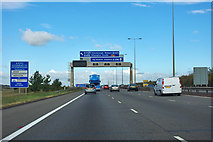 TL1592 : A1(M) northbound by Robin Webster