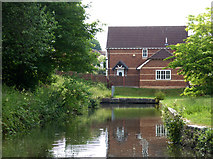 SO8171 : An arm off the Staffordshire and Worcestershire Canal by Chris Allen