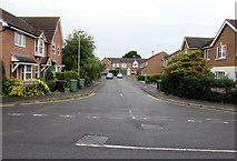 SU5290 : Longford Way, Didcot by Jaggery