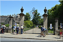 SP5105 : Gates to War Memorial Gardens by N Chadwick