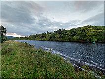 NH6037 : Loch Dochfour by valenta