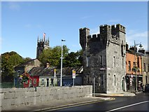 R5757 : Tower at the east end of Thomond Bridge by Oliver Dixon