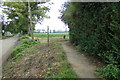 TL9162 : Footpath to Moat Lane by Adrian Cable