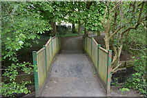 TQ2688 : Footbridge, Mutton Brook by N Chadwick