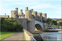 SH7877 : Conwy castle and the A547 road bridge by Richard Hoare