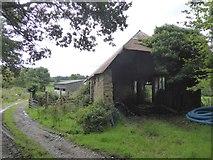SS5401 : Old barn at Medland by David Smith