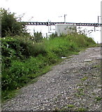 SU5290 : Road ascending from Cow Lane to Didcot (railway) Junction by Jaggery