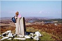 NR7949 : At the Trig pillar on Cnoc an t-Samhlaidh by Alan Reid
