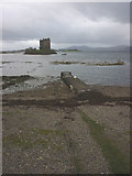 NM9247 : Low tide at the jetty, Castle Stalker by Karl and Ali