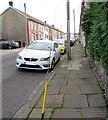 SS9991 : George Street pavement, Penygraig by Jaggery