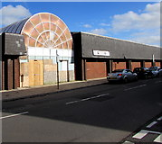 SS9992 : Boarded-up former arcade entrance, Tonypandy by Jaggery