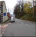 ST0090 : Unsuitable route for HGVs, Mountain Road, Williamstown by Jaggery