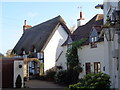 SO9946 : Cottages next to The Chequers Inn, Fladbury by Jeff Gogarty