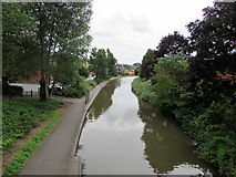 SO8554 : Worcester & Birmingham Canal south of George Street, Worcester by Jaggery