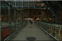 TQ3083 : View along the gangway in St. Pancras station by Robert Lamb