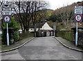 SS9398 : Weak road bridge over the Rhondda River, Treherbert by Jaggery