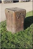 SX4268 : Cast Iron Quayside Bollard by Nigel Mykura