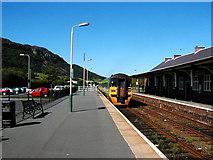 SH5639 : A Pwllheli bound train at Porthmadog by John Lucas
