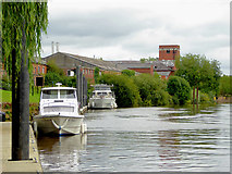 SO8170 : The River Severn at Stourport in Worcestershire by Roger  Kidd