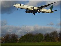 TQ0975 : A Pakistan International flight over Myrtle Avenue by Marathon