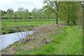 SP3465 : Open riverbank, Newbold Comyn Park, Leamington by Robin Stott