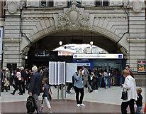 TQ2879 : London Victoria railway station by Thomas Nugent