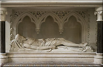 TQ2785 : St Dominic's Priory Church, Belsize Park - Altar by John Salmon