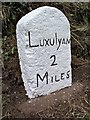 SX0555 : Old Milestone by Ian Thompson