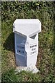 SW9146 : Old Milestone by Ian Thompson