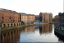 SE3033 : River Aire from Leeds Bridge by Alan Murray-Rust