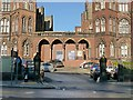 SE2933 : Leeds General Infirmary, entrance gateway by Alan Murray-Rust