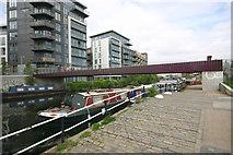 TQ3784 : Monier footbridge across River Lee Navigation by David Kemp
