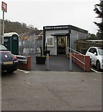 SO8005 : Welcome to Stonehouse Station by Jaggery