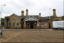 SE1537 : Shipley Station, Booking Hall by Roger Templeman