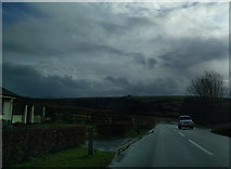 SS6744 : The A39, south of Churchtown, heading south by Rob Purvis