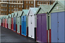 TQ2804 : Beach huts at Kings Lawns by David Martin