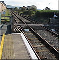 SH5800 : Level crossing at the southeast end of Tywyn station by Jaggery