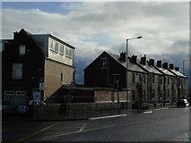 SE1527 : Woodside Road, Wyke by Chris Heaton