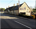 SP2512 : Carpenters Arms, Fulbrook by Jaggery