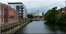SK3536 : The River Derwent in Derby city centre by Mat Fascione