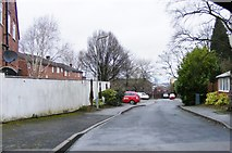 SO9096 : Bromwynd Close by Gordon Griffiths