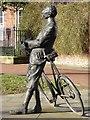SO5139 : Sculpture of Sir Edward Elgar by Philip Halling