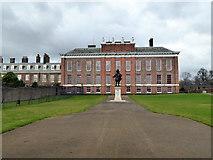 TQ2579 : Kensington Palace by PAUL FARMER