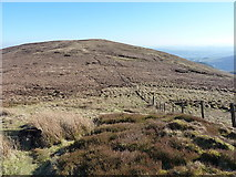 SJ0931 : Saddle between the North Top and the main hill of Godor by Richard Law