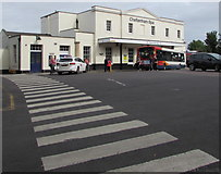 SO9322 : Pedestrian crossing to Cheltenham Spa railway station by Jaggery