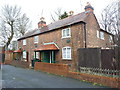 SP0792 : Listed cottages on Church Road by Richard Law